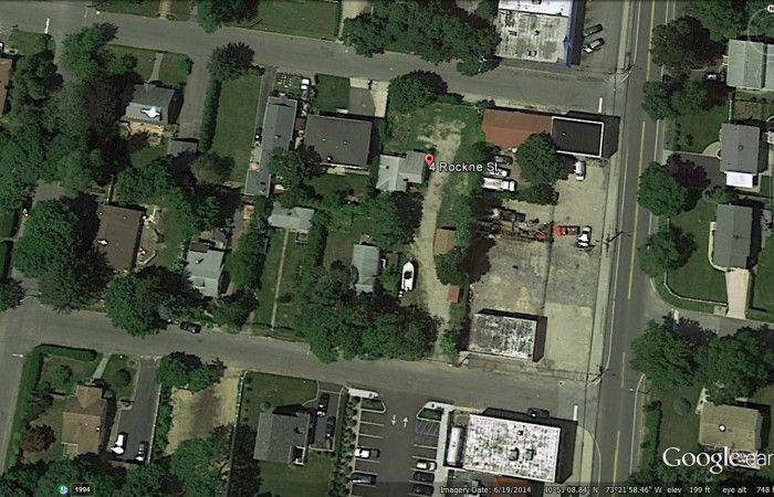 4 Rockne St, Huntington, NY 11743